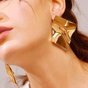 ⚜️[𝟯/$𝟭𝟴]⚜️Big Gold Quad Curved Earrings NEW